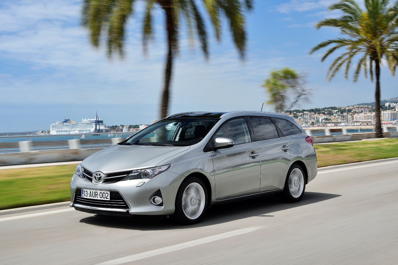 Auris_Touring_Sports_EXT_10_DPL_2013