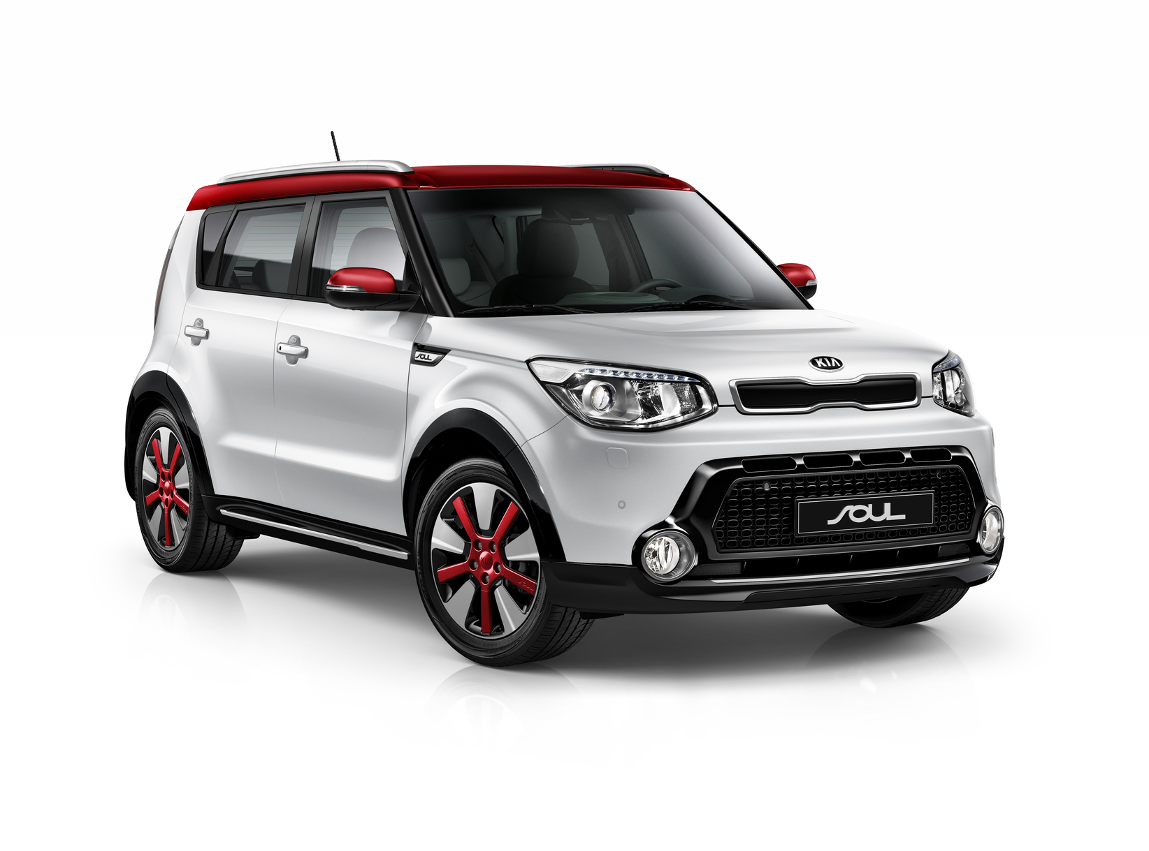 kia_soul_my14_3_4_front_view_(1d_red)_with_suv_pack_5822_27159
