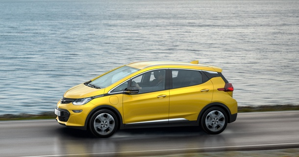 Revolutionary electric car with exceptional range: The AUTOBEST jury voted the new Opel Ampera-e the ECOBEST 2016.