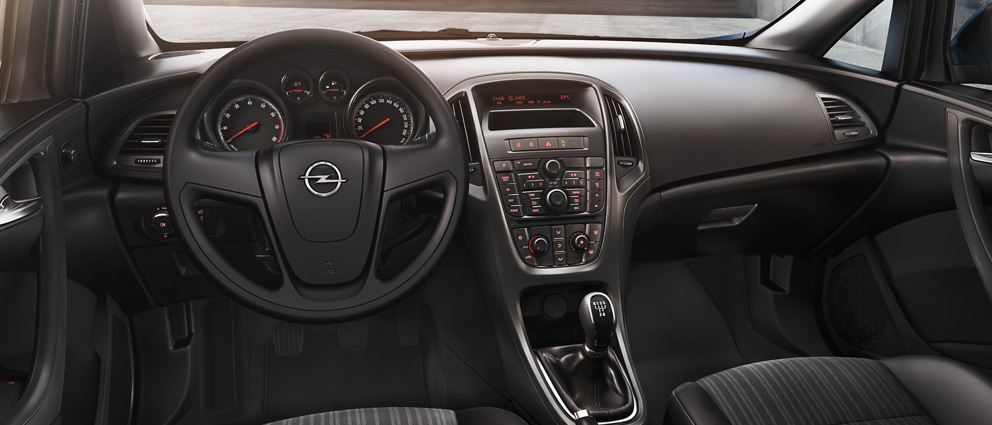 opel_astra_interior_view_992x425_as13_i01_101