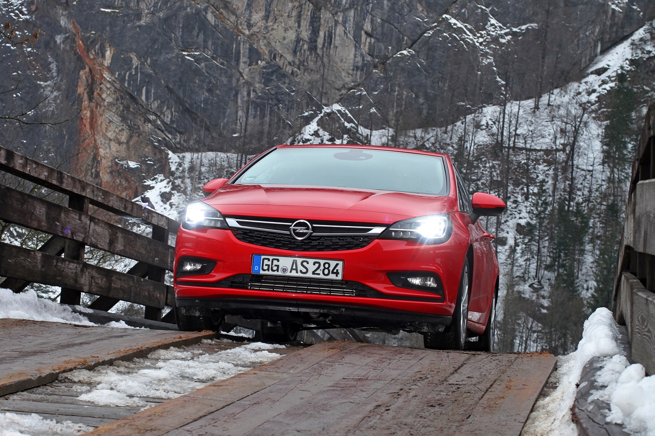 Opel's Guide to Safely Navigating the Winter