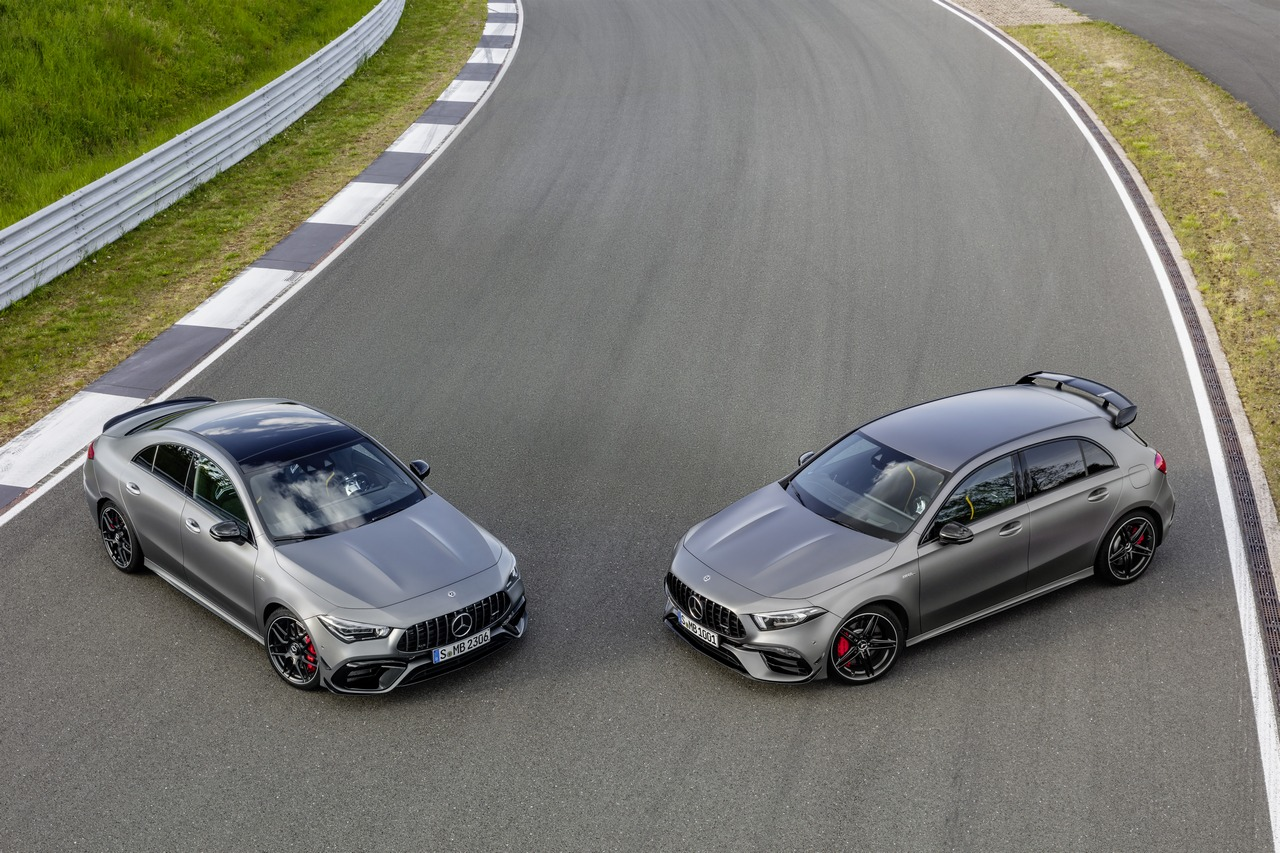 Mercedes-AMG A 45 S 4MATIC+ und CLA 45 S 4MATIC+ (2019), Kraftstoffverbrauch kombiniert: 8,4-8,1 l/100 km; CO2-Emissionen kombiniert: 192-186 g/km // Fuel consumption combined: 8.4-8.1 l/100 km; Combined CO2 emissions: 192-186 g/km
