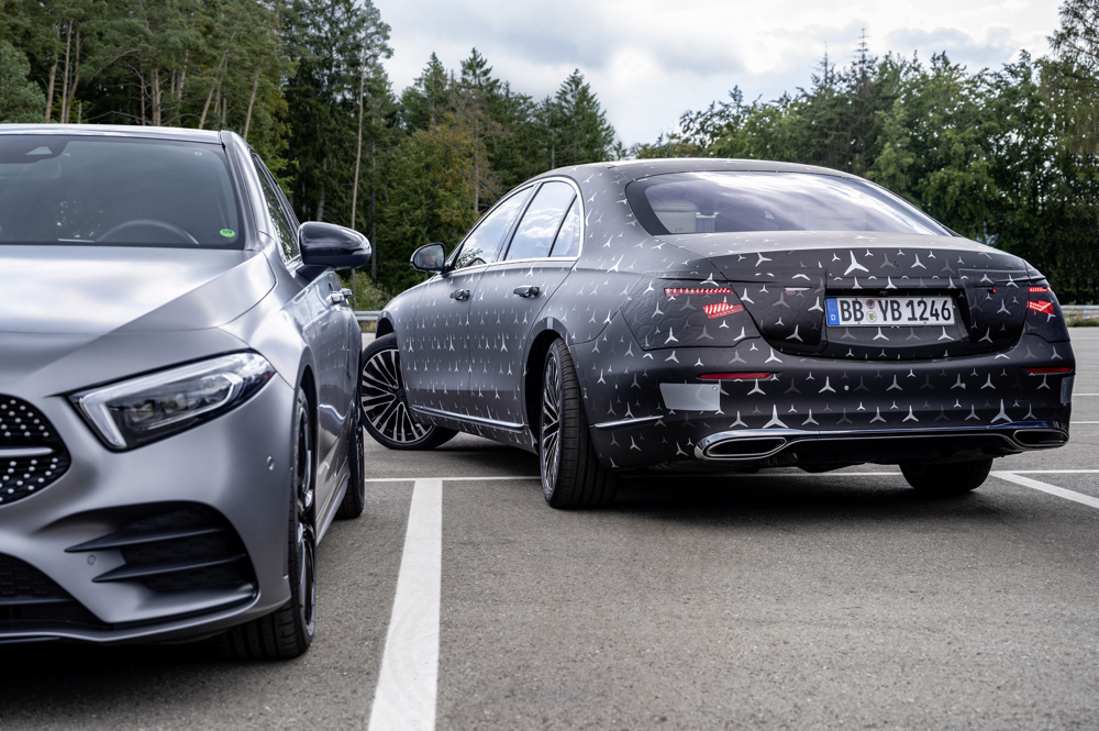 Parken leicht gemacht: Mit der neuen Hinterachslenkung der Mercedes-Benz S-Klasse // Parking made easy: With the new rear-axle steering of the Mercedes-Benz S-Class